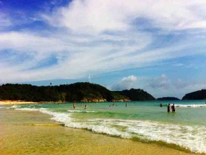 nai harn beach 4